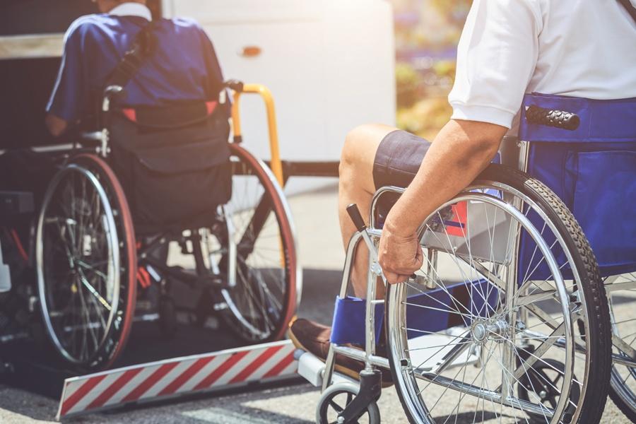 acces-handicap-vehicule-vihiers